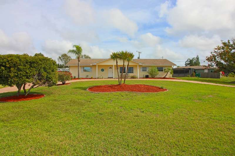 Updated Spacious Port Charlotte Home