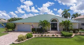 Stunning Punta Gorda Isles Waterfront Pool Home