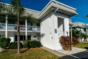 Nicely Updated Port Charlotte Condo