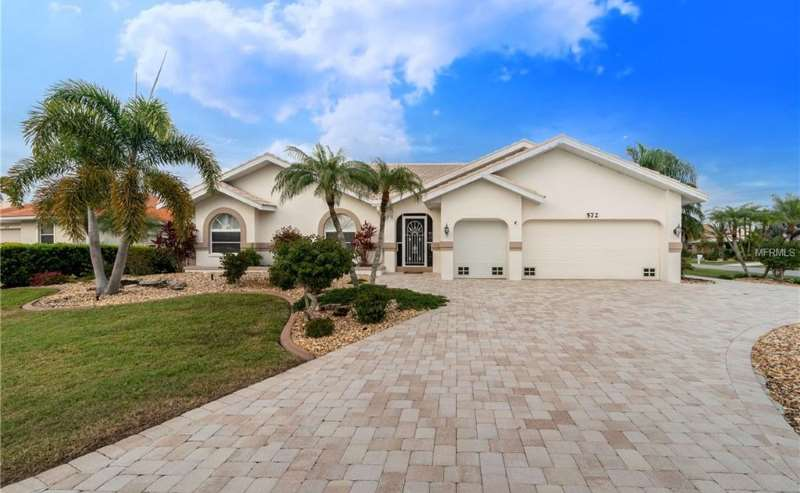 Spacious Burnt Store Isles Waterfront Home
